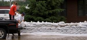 Volunteers Sandbagging